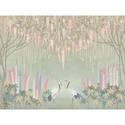 Grues du Japon et libellules sous saules pleureurs et glycine, fleurs roses sur fond vert gris