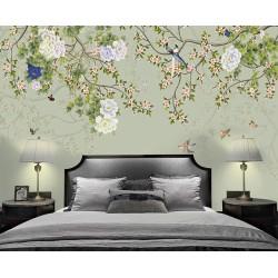 Arbres en fleurs, pivoines, oiseaux et papillons, fond vert pastel