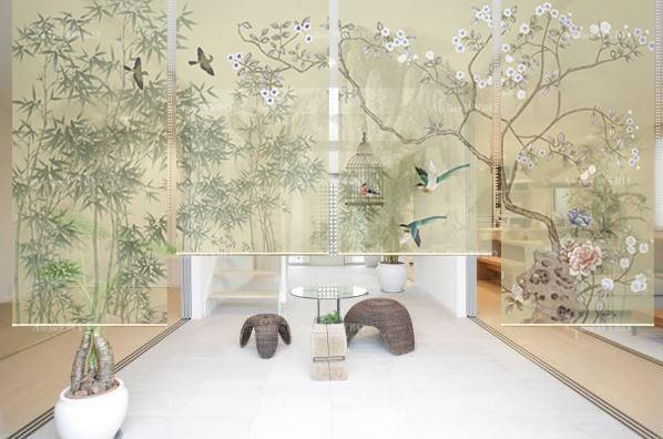 paravent chinois couleur légère ton vert de printemps motif traditionnel fleurs et oiseaux paysage zen en toile semi-transparente suspendue ambiance zen paisible