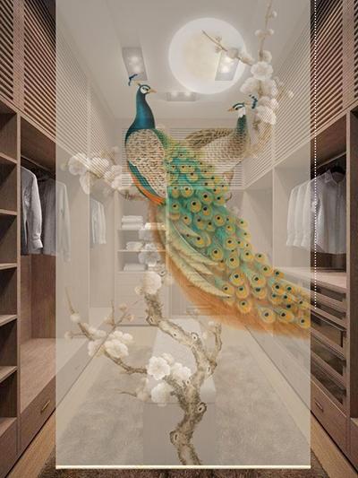 décoration d'intérieur chambre suite dressing paravent chinois sans cadre en toile semi-transparente suspendue cloison mobile imprimée motif fleurs et oiseaux dans la nuit avec lune ronde dorée, superbe paons bleus et ravissantes fleurs blanches sur fond beige, sérénité et élégance l'ambiance paisible
