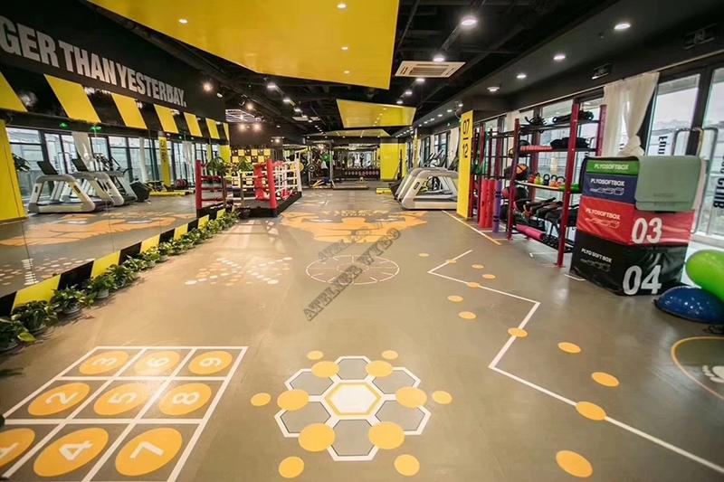 décoration salle de fitness tapis sol pvc imprimé couleur jaune,rénovation salle de sport lino imprimé photo personnelle,revêtement de sol 3d imprimé personnalisé club de fitness,dalle pvc photo imprimé personnalisé sur mesure