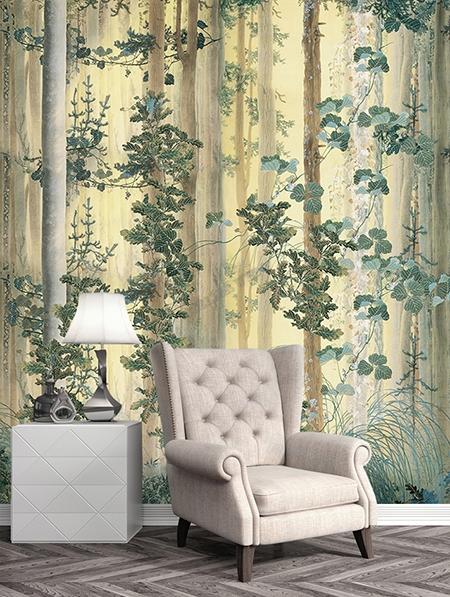 habiller un pan de mur vertical dans un séjour par tapisserie murale soie imprimée un seul tenant paysage de la forêt avec les buissons et les plantes