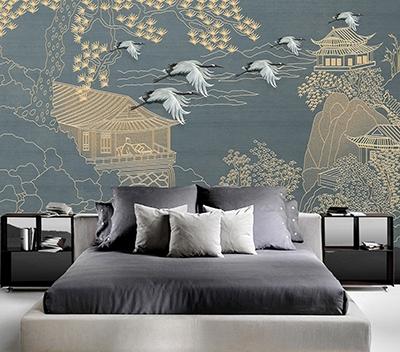 papier peint intissé japonais séjour,tapisserie asiatique bleu gris salon,poster géant oiseau grue du japon,panneau japonais paysage naturel arbre doré,décor mural asiatique maison traditionnelle japonaise pin,tête de lit ambiance zen bleu or montagne rivière
