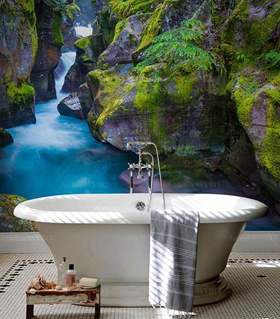 Rénovation salle de bains moderne dalle murale décorative personnalisée photo imprimée paysage nature chute d'eau bleue dans la montagne,fresque panoramique étanche en PVC sur mesure mur de baignoire paysage 3D de la montagne rivière traverse les rochers couvrant de mousse verte