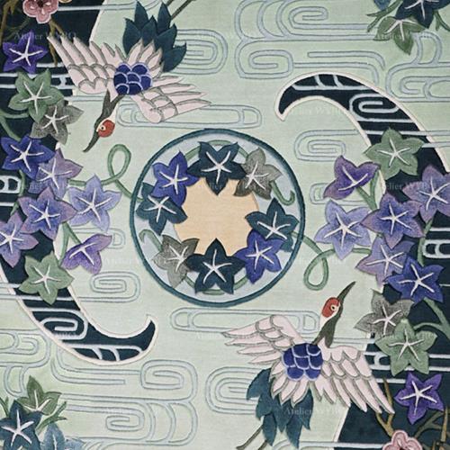 tapis soie japonais traditionnel grue et cerisier sur fond vert pastel pour salon séjour chambre bureau personnel pure soie naturelle noué à la main fabrication sur mesure,tapis asiatique zen personnalisé ton vert et bleu velours sculpté en relief oiseau mythique tortue fleur et nuage