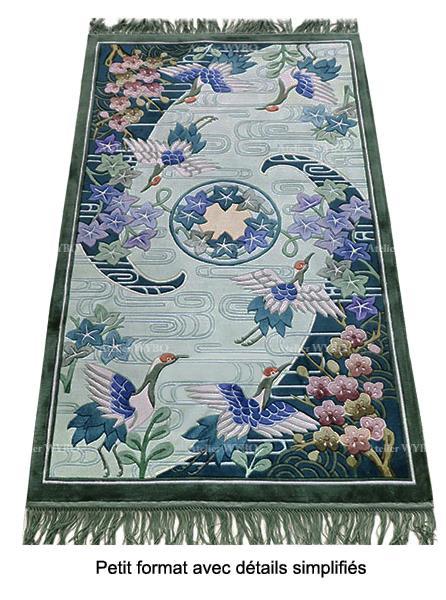 tapis asiatique pure soie naturelle noué main design vintage ton vert pastel grue du Japon cerisier et ondulation d'eau,tapis japonais oiseau légendaire fait à la main design et format sur mesure velours sculpté en relief pour entrée séjour salle à manger chambre et bureau privé