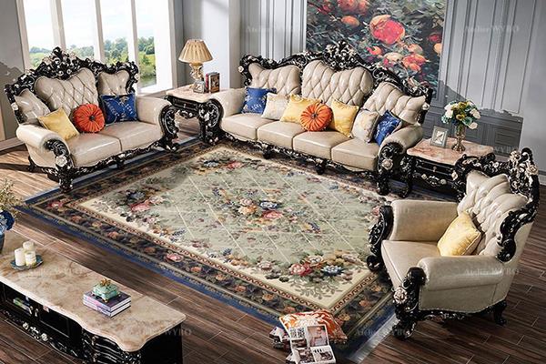 acheter tapis soie classique pour séjour salon chambre aspect ancien vintage petites fleurs symétriques sur fond vert pastel bordure bleu foncé, matière écologique issue des cocons de vers à soie naturels noué à la main