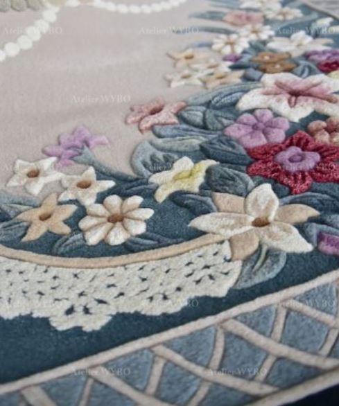 tapis 3d couleur beige et bleu pour salon chambre bureau motif fleur en relief pur laine de Nouvelle-Zélande fabriqué à la main, tapis luxueux sur mesure ambiance romantique fleurs rouges roses mauves jaunes perles noeud papillon dentelle velours doux sculpté 3d